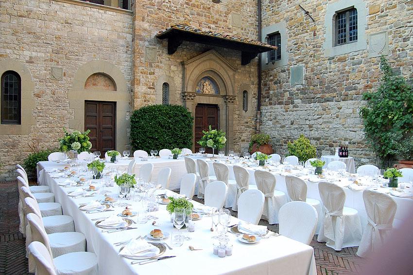 Wedding Reception Horseshoe Table Setting 06 Weddings In Tuscany