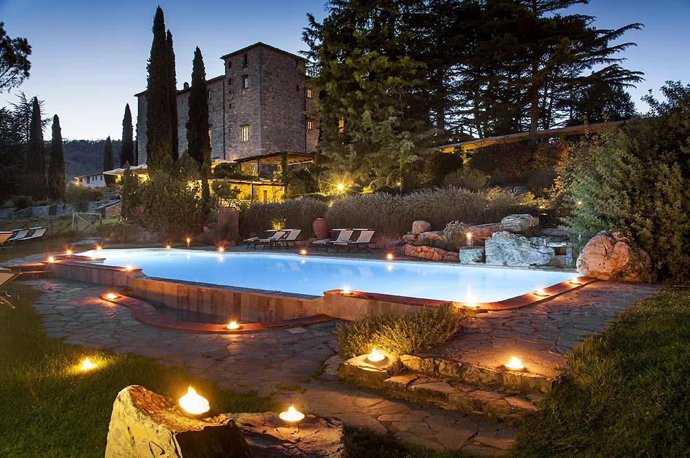 castle-tuscany-wedding-01