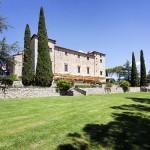 castle-tuscany-wedding-03