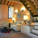 Tuscan-Castle-08